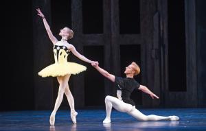 Sarah Lamb and Steven McRae in Scènes de ballet © ROH/Tristram Kenton 2014